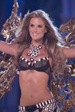 th_20389_Victoria_Secret_Celebrity_City_2007_FS_4352_123_1071lo.jpg