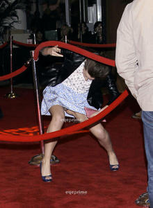 Emma Watson au festival Tribeca de New York. Th_112117964_Image0019_122_194lo
