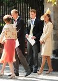 th_49738_celebrity_paradise.com_The_Duchess_of_Cambridge_Zara_wedding_040_122_232lo.jpg