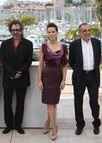 Канны (Annual Cannes International Film Festival ) - Страница 2 Th_70065_Celebutopia_KateBeckinsale_PhotocallfortheJuryatthe63rdAnnualCannesFilmFestival_10_122_442lo