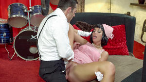 Jenette (Seductive Hungarian pinup babe Jenette eats cum in hot fuck with musician) [1080p]