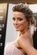 "صور Amber Heard ""Salt"" Premiere Angeles, July 2010 *updated* th_41477_aMbErHeArDsAlTsCrEeNiNg071910nBs29_122_552lo.jpg"