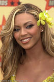 Photos de Beyonce avec différentes coupes de cheveux