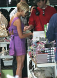 123mike HQ pictures of Victoria Th_05627_Victoria_Beckham_shopping_in_Beverly_Hills_161_123_873lo