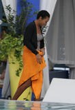 th_48472_Preppie_-_Solange_Knowles_poolside_in_Miami_-_Feb._4_2010_663_122_97lo.jpg